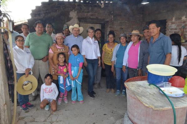 """Llevan programa """"Acción Ciudadana"""" para beneficio de tres comunidades"""