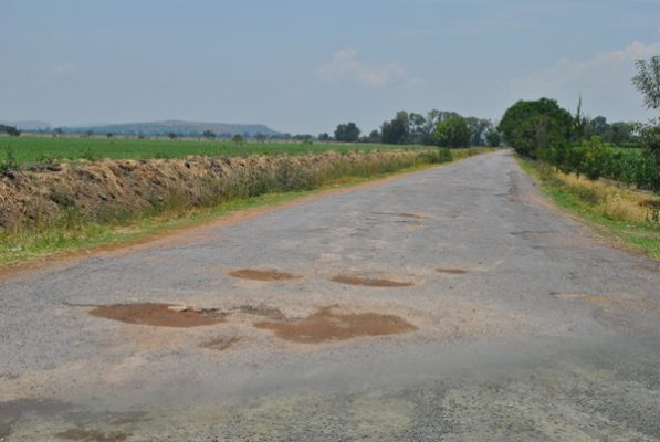 Mejorarán caminos de acceso a 5 comunidades