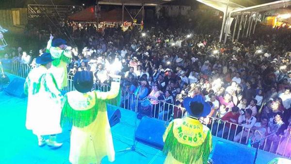Inició espectacular la Feria Regional Huanímaro 2017