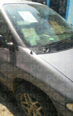 Recuperan policías un vehículo robado