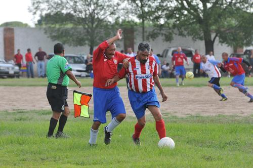 Ranchito Pollo Feliz y Atlético 1957, son finalistas en torneo Platino