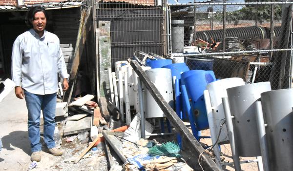Reubican botes de basura dañados por vandalismo