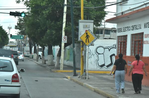 En plena zona centro despojan a hombre de 10 mil pesos