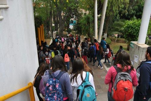 Se presenta conato de incendio en Prepa Oficial de Guanajuato