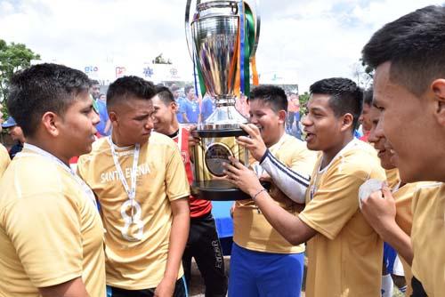 Ganadores de Copa Comunidades irán al Clásico Nacional