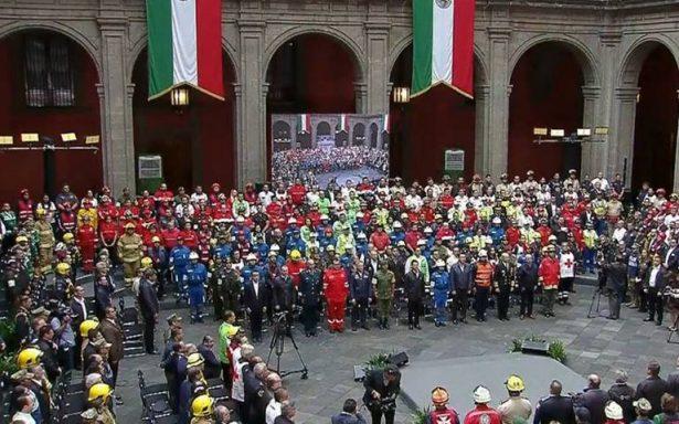 EPN reconoce a rescatistas que participaron en sismos