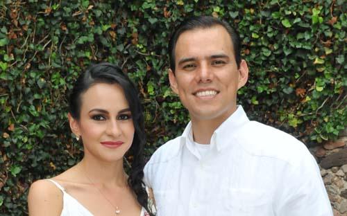 Se casan por el civil