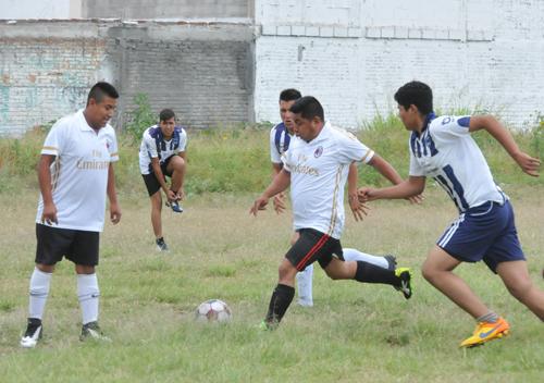 Deportivo Núñez supera a Pérgolas