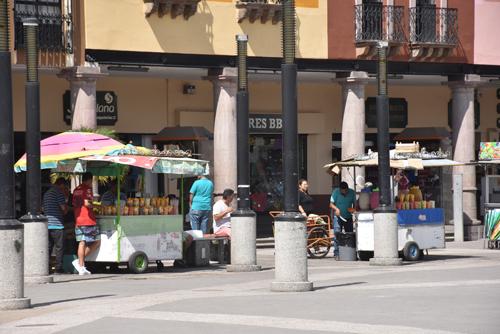 Modernizarán carritos comerciales del Centro Histórico