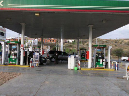 Investigan a 50 gasolineras