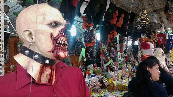 """Chocan """"Halloween"""" con Día de Muertos"""
