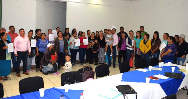 Entregaron acreditaciones a beneficiarios del programa Impulso a la Mujer