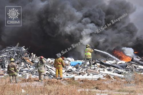 Moviliza a rescatistas reporte de incendio en ducto