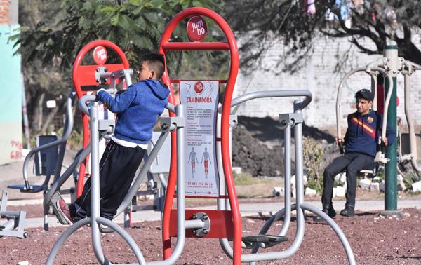 "Priistas se ""fusilan"" obras municipales"