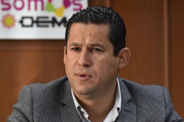 Diálogo de altura, pide Diego Sinhué