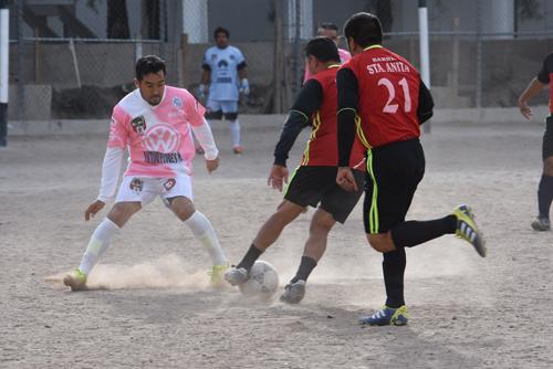 Colonia Juárez derrota 4-1 a Barrio de Santiaguito