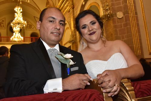 Alejandro y Mónica son nuevos esposos