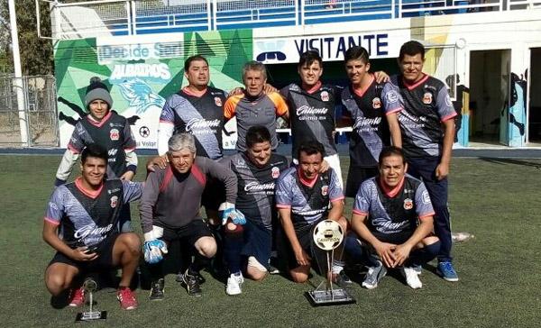 Imperio UII es campeón del Torneo Dominical