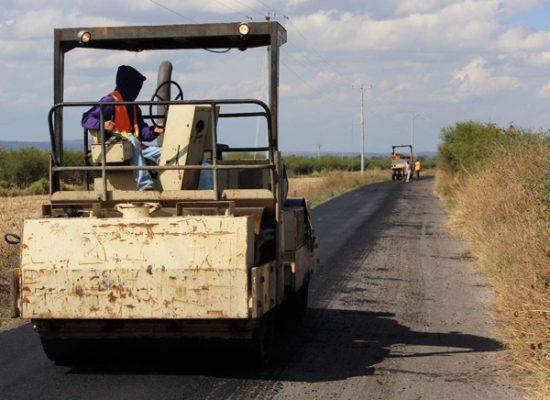 Cumple Larisa con más y mejor infraestructura vial y de caminos rurales