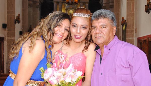 Magali Scarlete festeja sus quince años