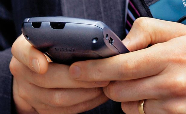 Atrapa a jóvenes  adicción al celular