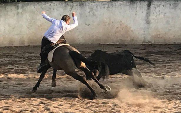 El rejoneador Jorge Hernández llega a la Plaza México