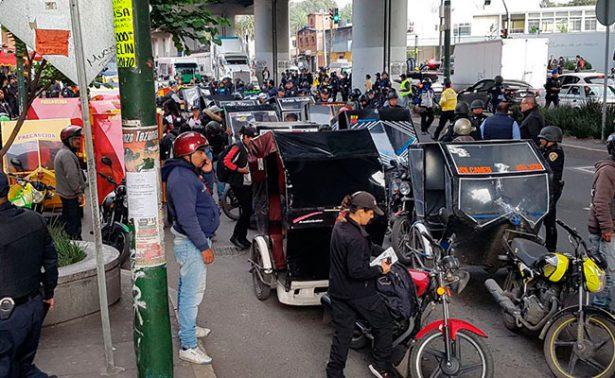 Detienen a tres y remiten 87 mototaxis por operativo en Tláhuac