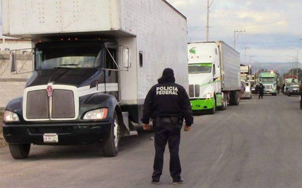 Decomisan 19 vehículos por transporte de huachicol en Texmelucan