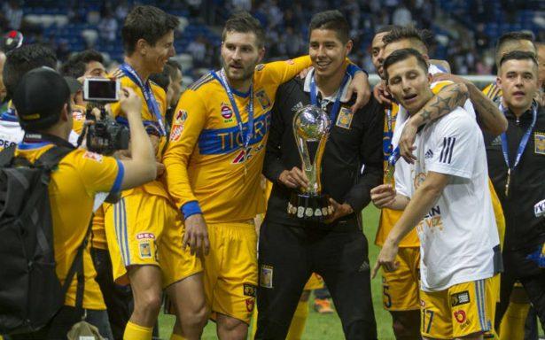Desde París, Peña Nieto felicita a Tigres por su victoria ante Rayados