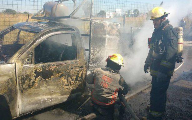 Explotan cilindros de gas LP a bordo de camión repartidor en Tonalá