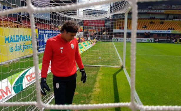 Memo Ochoa debuta en la Liga de Bélgica con empate