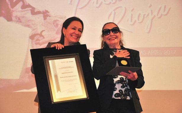La bailarina Pilar Rioja, recibió la Medalla Bellas Artes