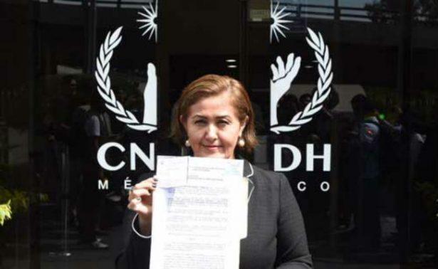 Eva Cadena presenta queja ante CNDH por violación a sus derechos