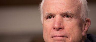 Por coágulo encima de ojo izquierdo, diagnostican tumor cerebral a McCain