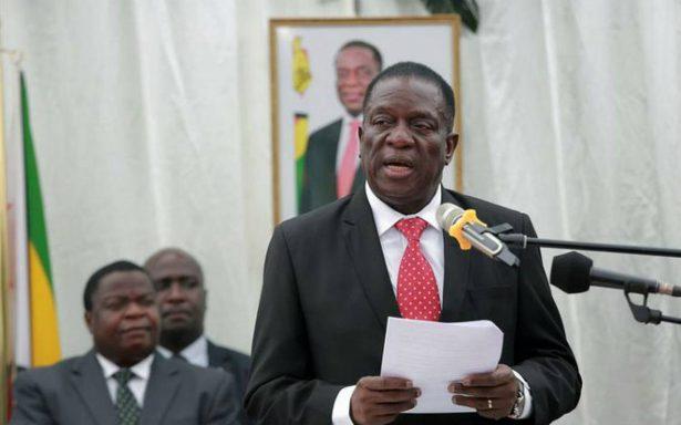 Nuevo gobierno de Zimbabue rinde juramento tras caída Mugabe