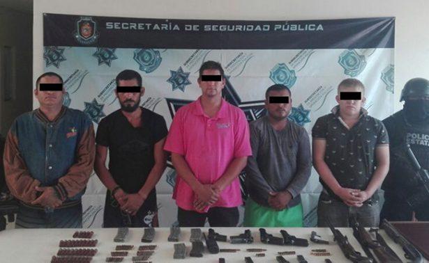 Detienen a cinco sujetos, tras enfrentamiento
