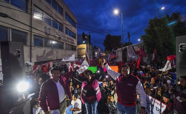 Delfina Gómez se manifiesta ante Tribunal; exige conteo de votos
