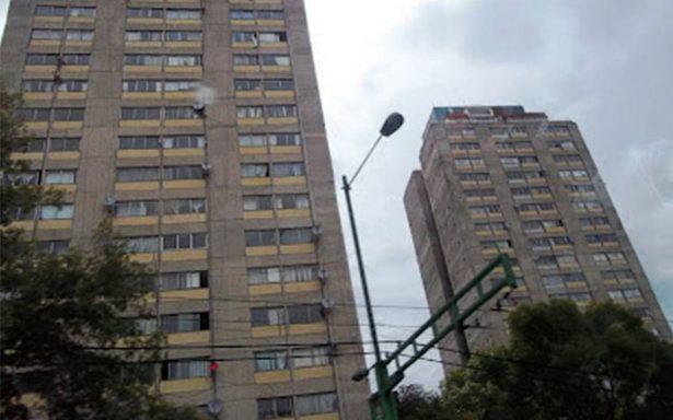 Encuentran cadáver de hombre en unidad habitacional Tlatelolco
