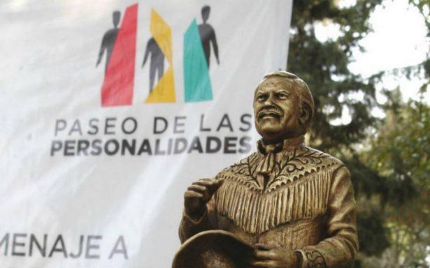 Inauguran con El Piporro Paseo de las Personalidades en Monterrey