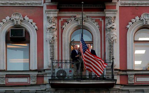 Escala el conflicto Rusia-Occidente; Moscú expulsa 160 diplomáticos