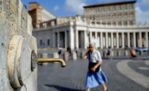 Italia vive su peor sequía de los últimos dos siglos; Vaticano apaga sus fuentes