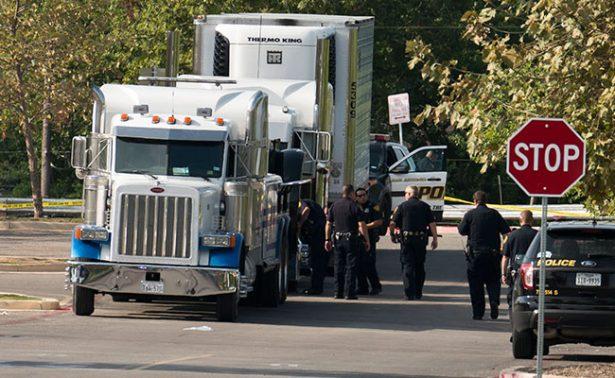 Mexicanos, 7 de los 10 migrantes muertos por asfixia en tráiler de Texas: SRE