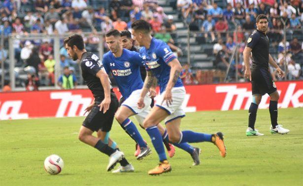 Chivas rescata empate 1-1 ante Cruz Azul