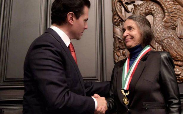 Julia Carabias recibe medalla Belisario Domínguez