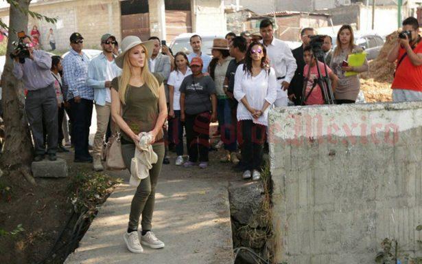 Paris Hilton se solidariza con México y visita albergue en Xochimilco