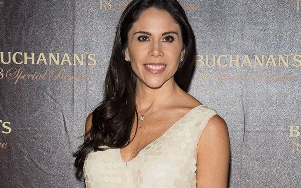 """Tras escándalo de su esposo Zague, Paola Rojas se integra a """"La voz… México"""""""