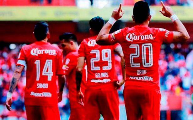 Toluca se impone a Santos con doblete de Fernando Uribe