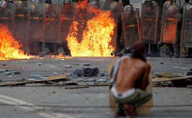 EU ordena a familias de diplomáticos en Caracas abandonar Venezuela