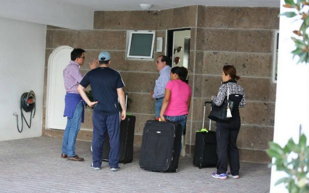Autorizan regreso de 94 familias a zona de derrumbe en Monterrey