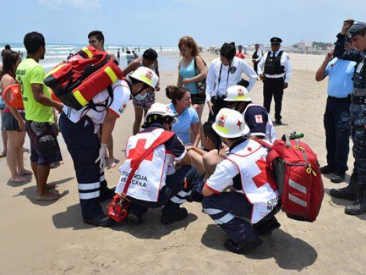 Salvan a chilango de morir ahogado en playa de Tamaulipas